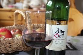 A vörösbor kedvezően hat az egészségre